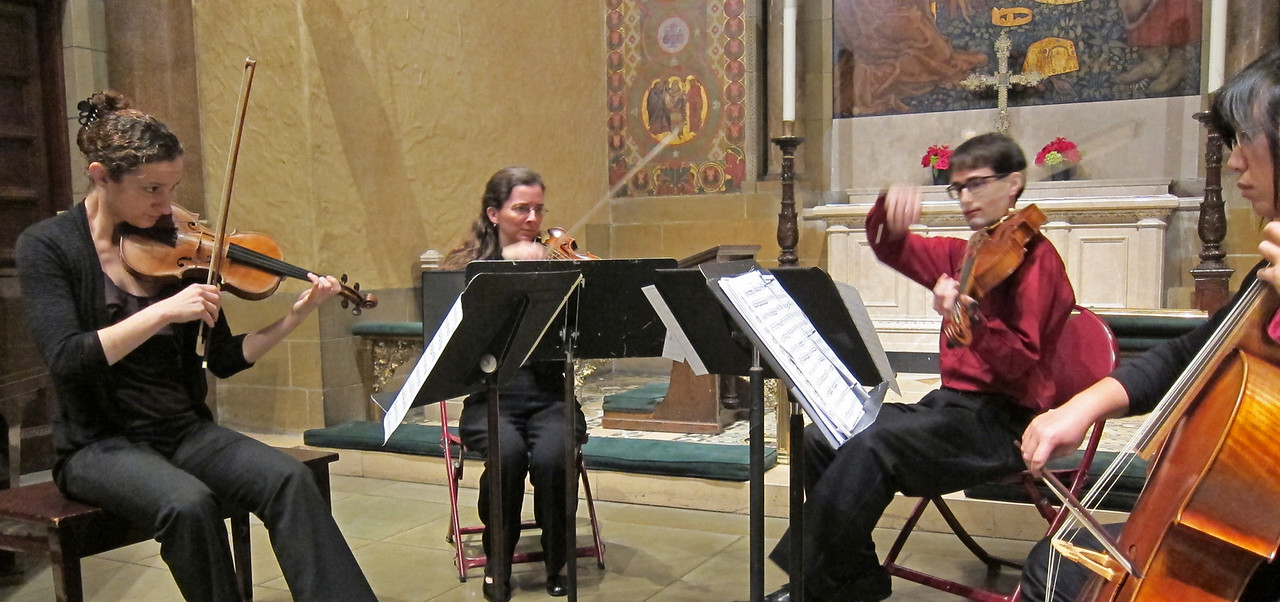 xGretchen's Muse_2013-11-21_Midtown Concert Series_4671_performing the Prussian Quartets