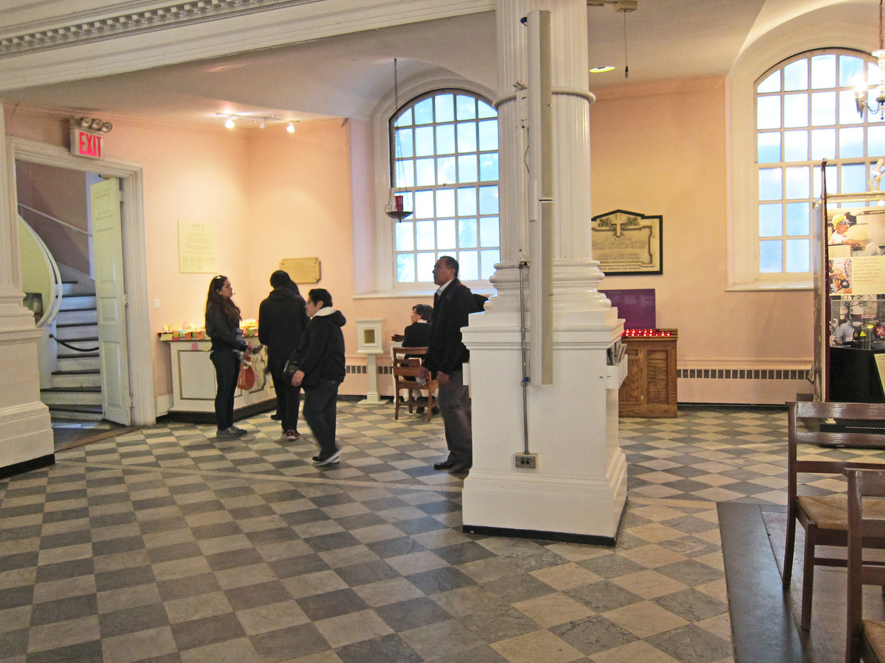 St Paul's Chapel_2013-09_4230_area near exit to Broadway where box office table goes