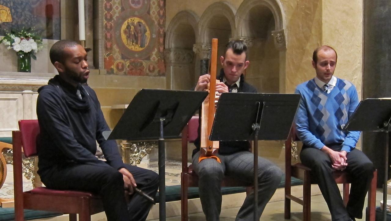 xConcordian Dawn_2013-11-07_A Medieval Melange_4610_3 singers, plus harp
